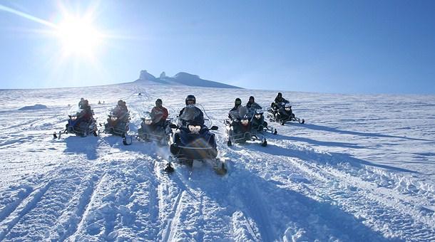 Motos de nieve en Laponia - Excursion Quads en Ruka